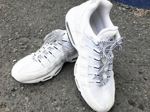 アディダス(adidas)の東大阪 スニーカー