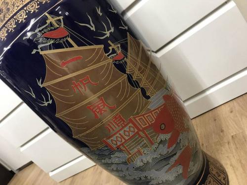 東大阪市 伝統工芸品の幸福の壷
