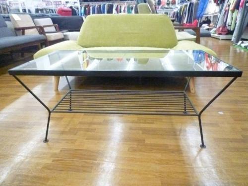 鎌ヶ谷のテーブル