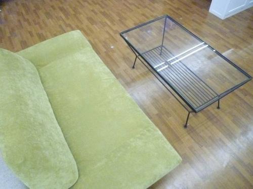 テーブルの家具