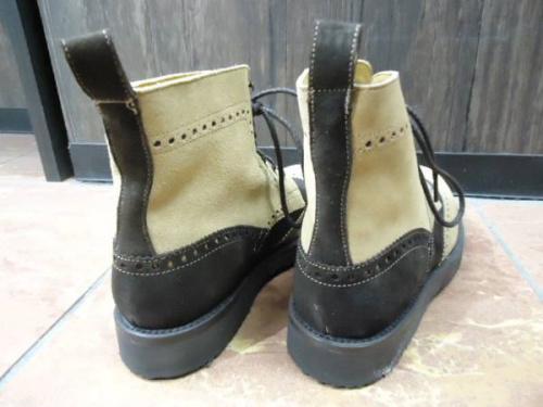 CAMINANDOのブーツ