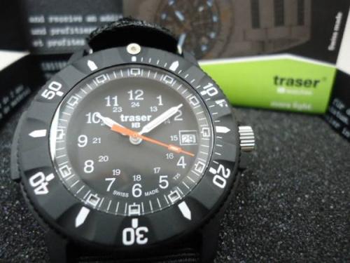 TRASERの腕時計