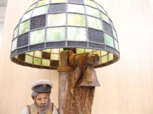 照明の彫刻