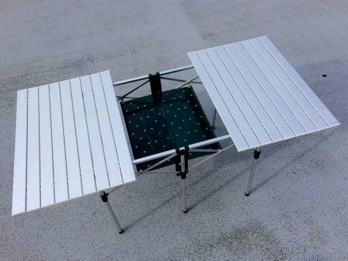 アウトドアのキャンプ用品 テーブル