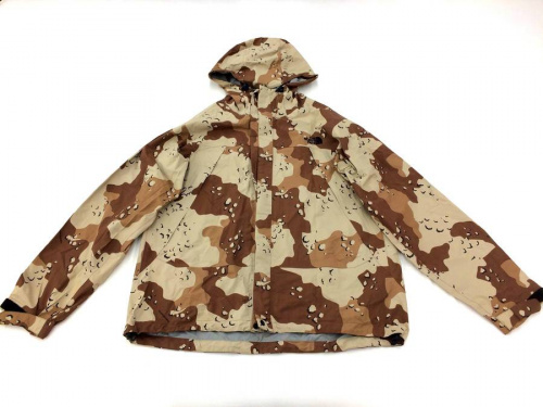 アウトドアウェアのジャケット