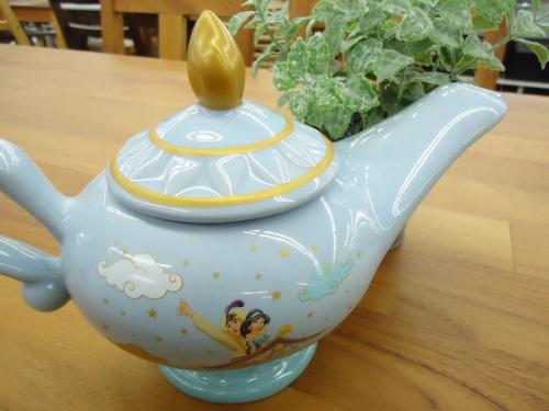 陶器オブジェ のジーニー ティーポット