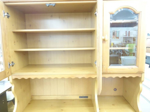 ハイチェスト 6段の浜本工芸 3枚扉のカップボード