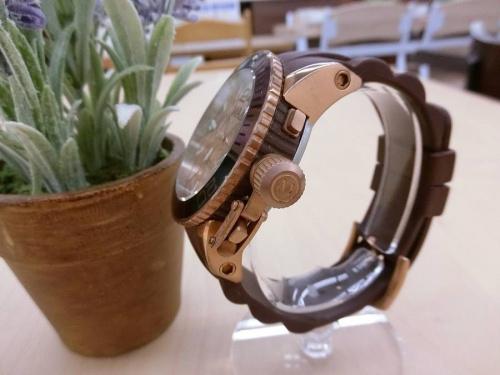 腕時計のMAX XL WATCHES