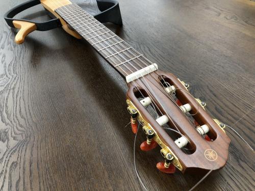 サイレントギターのYAMAHA ギター