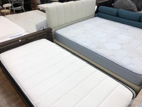 ベッドの家具