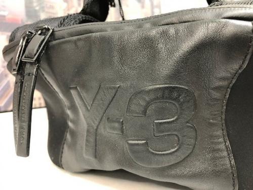 デイパックのY-3 バッグ