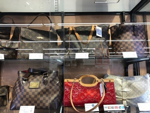 財布のLOUIS VUITTON