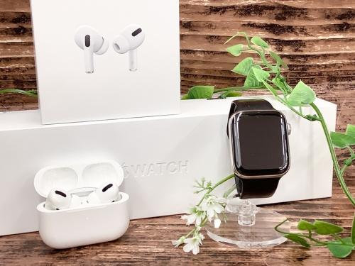 Apple Watch 中古のApple フルワイヤレスイヤホン 中古