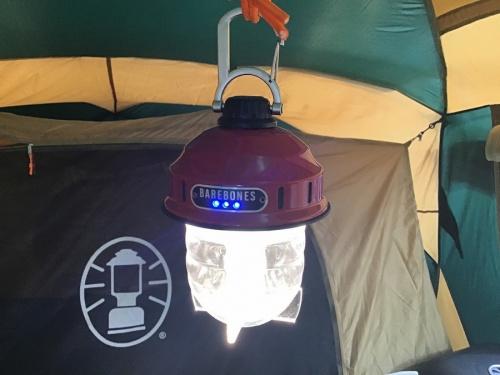 キャンプ用品のランタン