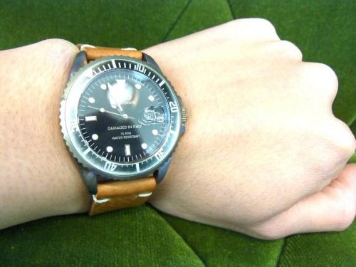 腕時計のOUT OF ORDER