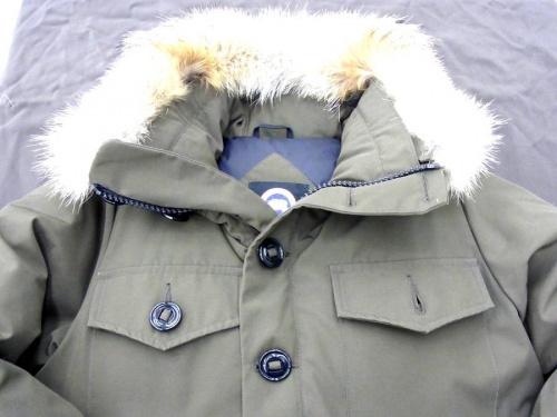 ジャケットのカナダグース