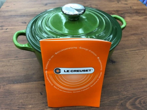 LE CREUSETの両手鍋