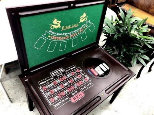 家具のカジノテーブル