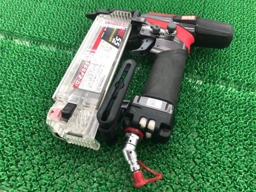電動工具の高圧釘打機