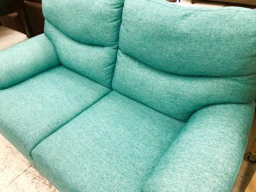 2人掛けソファーの青灰色