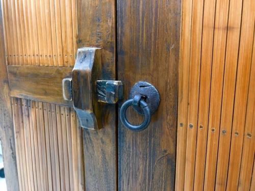 キャビネットの2枚扉