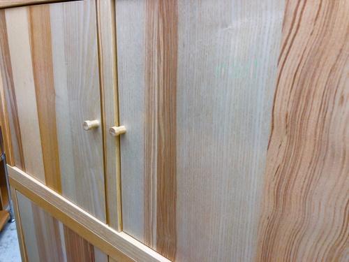 収納家具の木製ロッカー