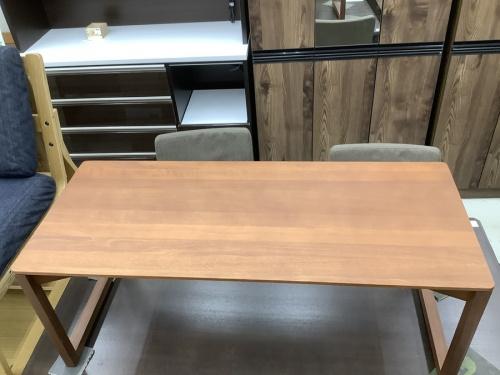インテリアのローテーブル
