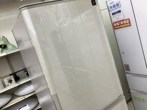 キッチン家電の大型冷蔵庫