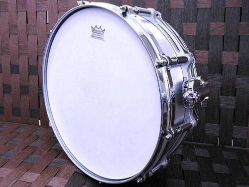 ドラムのスネアドラム