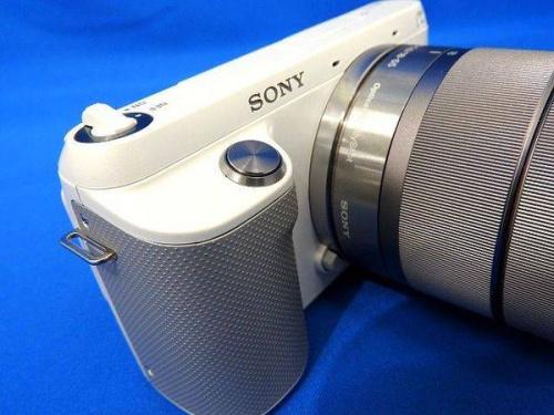 ミラーレスの一眼レフカメラ
