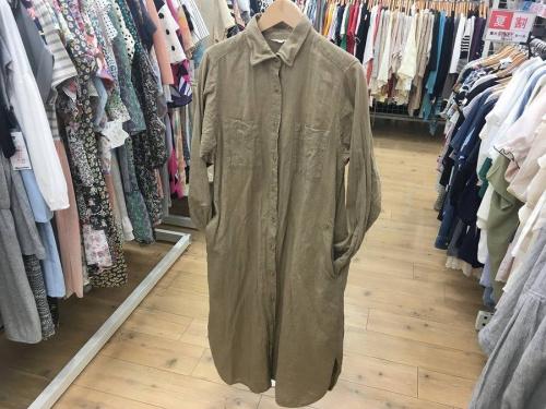 秋物 服の松原 衣類