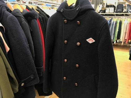 レディースファッションのウールコート