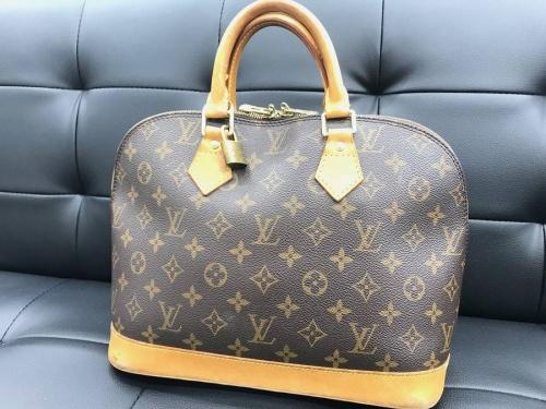 ブランド・ラグジュアリーのバッグ・財布
