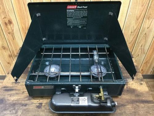 キャンプ用品のガソリンツーバーナー