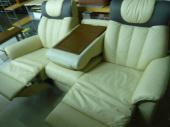 越谷家具のソファー