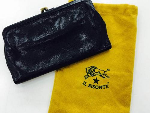 バッグのIL BISONTE
