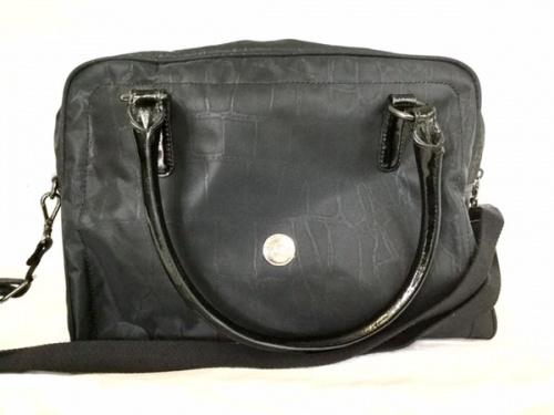 カジュアルバッグのバッグ