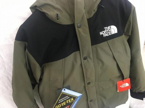 メンズファッションのマウンテンダウンジャケット