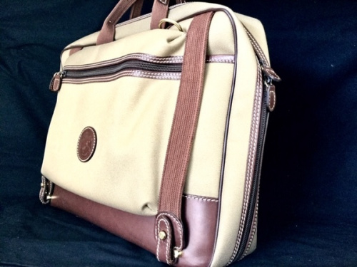 ビジネスバッグのブリーフケース